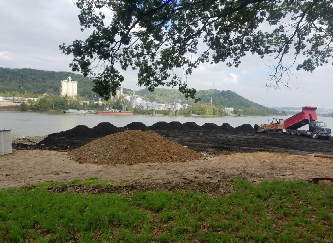 Contaminated black sand on Bell's Villa Hills property .png